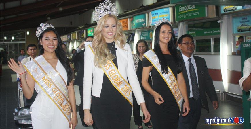 Miss Global 2015 ចេញមុខរៃអង្គាសប្រាក់ជួយសង្គ្រោះកុមារកម្ពុជា