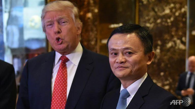 ប្រធានាធិបតីអាមេរិក លោក ដូណាល់ ត្រាំ និងមហាសេដ្ឋីចិន លោក Jack Ma (AFP)