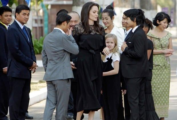 Angelina Jolie សង្ឃឹមថាខ្សែភាពយន្តថ្មីនេះអប់រំបន្ថែមពីប្រវត្តិសាស្ត្រនៃការកាប់សម្លាប់